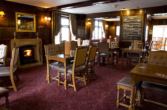 lounge-bar-dining