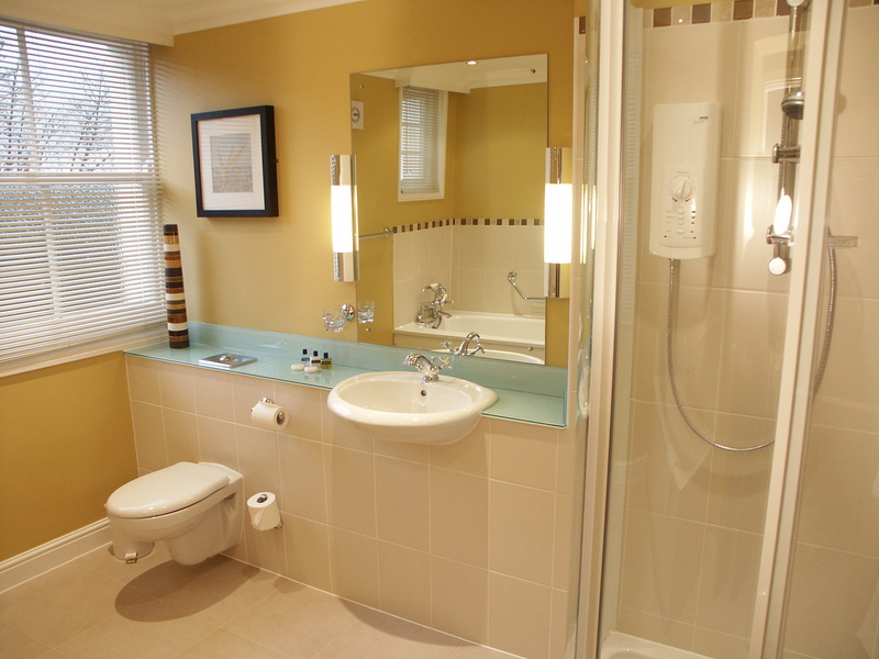large_Bathroom_104